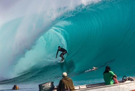 Hardcore surf trips