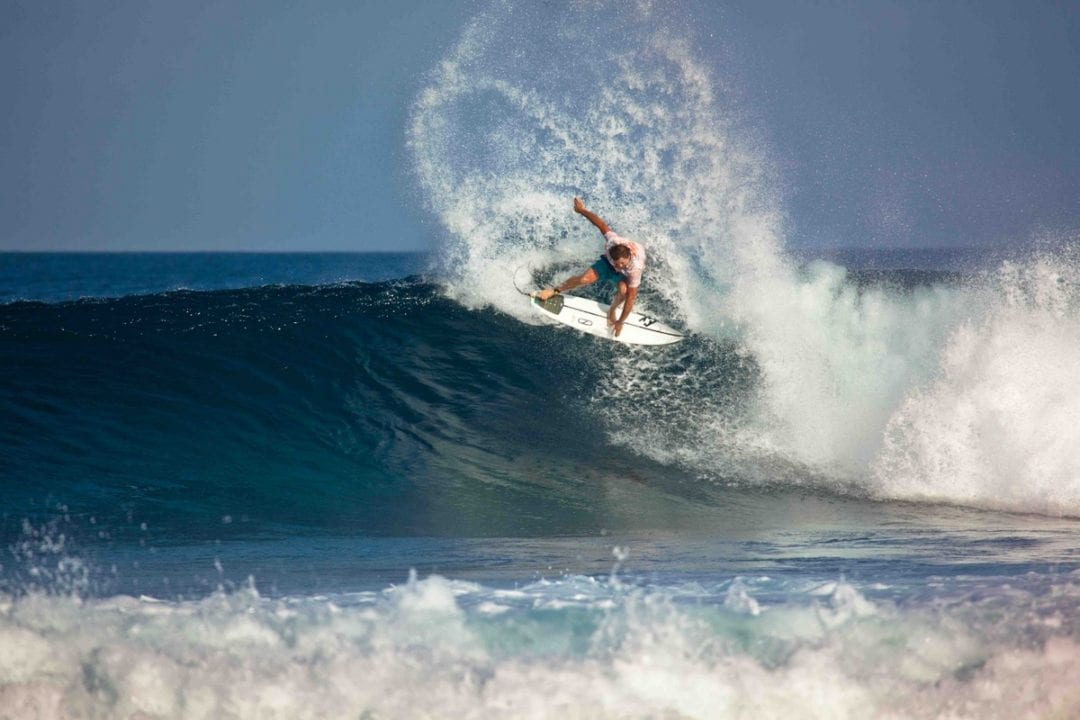 Sean Holmes sliding his tail at Kandooma Right like he is still on tour.