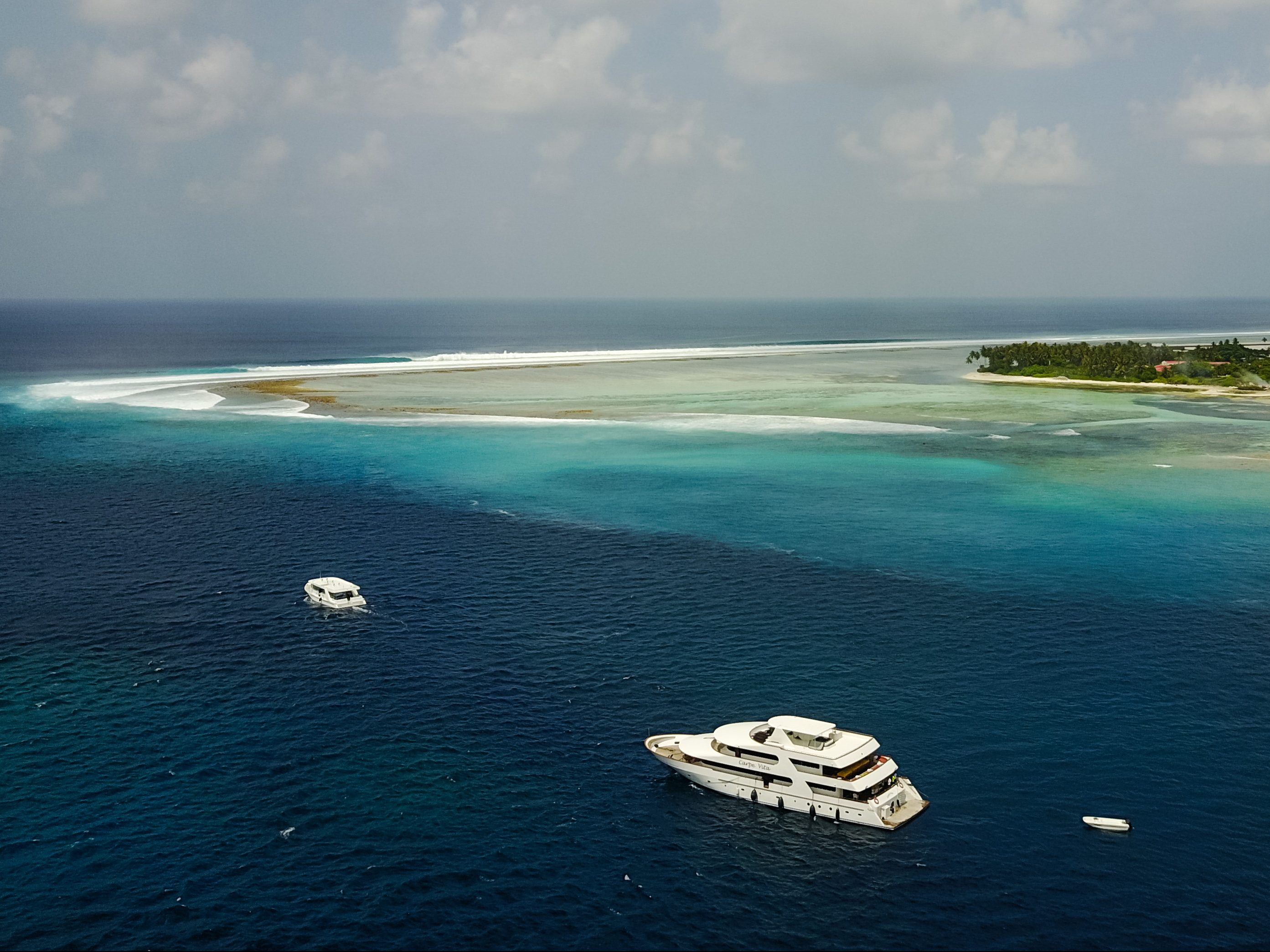 The Maldives TOP 10 Surf Trips for up to 30% LESS