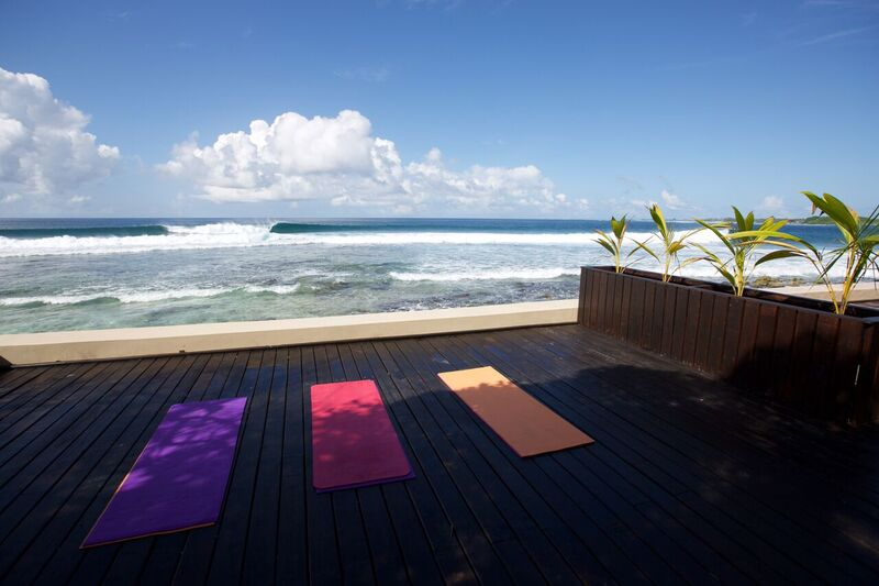Yoga then surf. Photo Kotch.