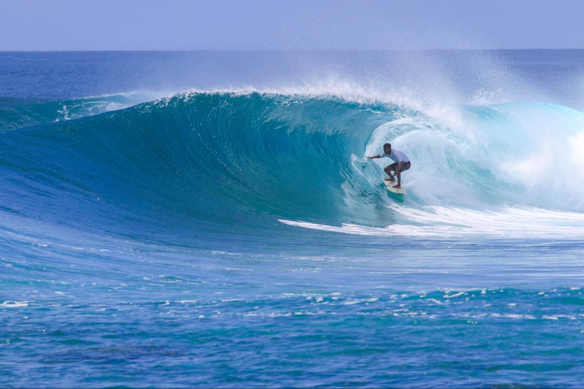 Kandooma perfection on August 30. Photo - Andy Potts C/O The Perfect Wave