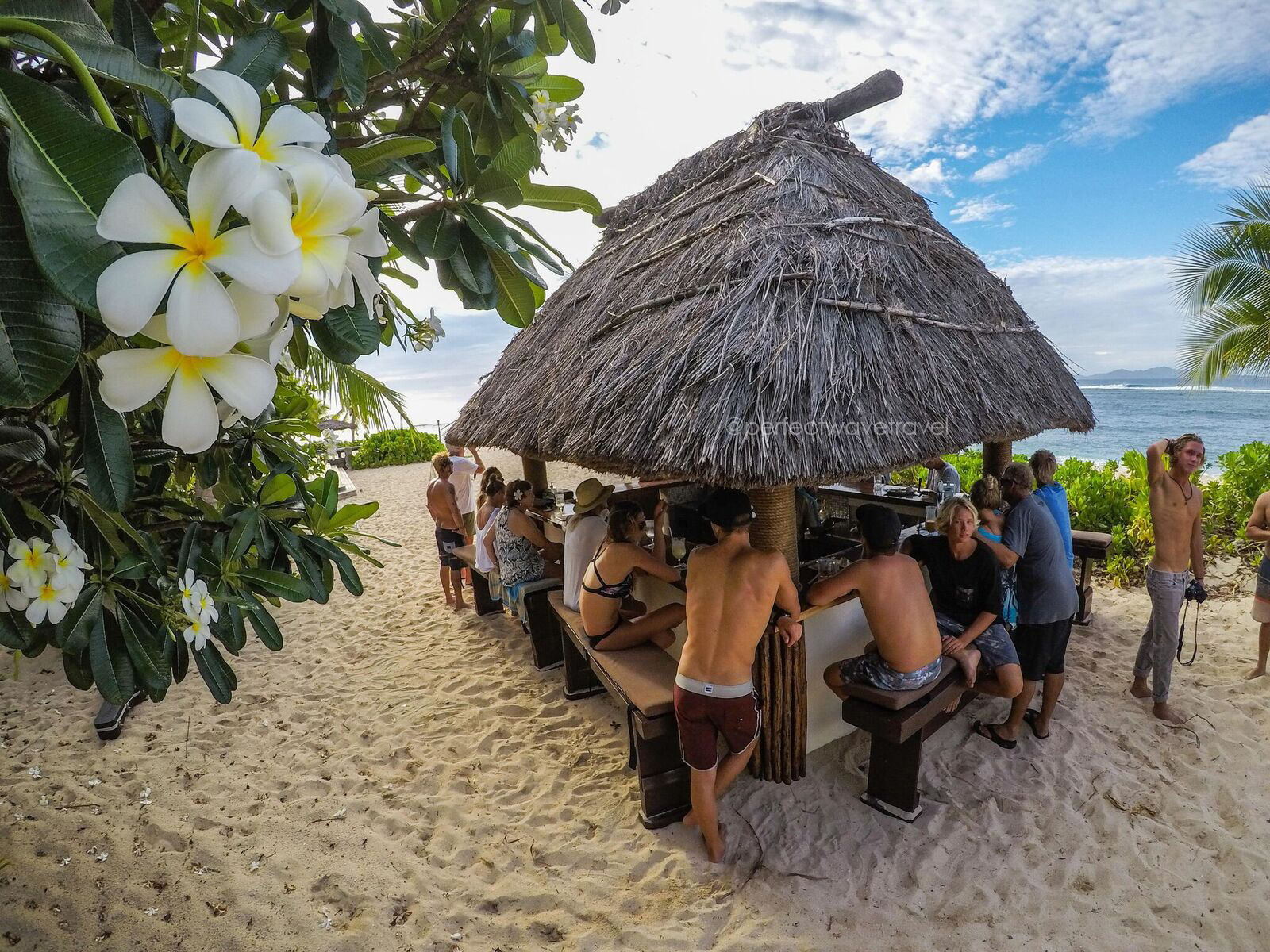 21-the-bula-bar-is-open-and-restaurants-is-firing-in-the-background_preview