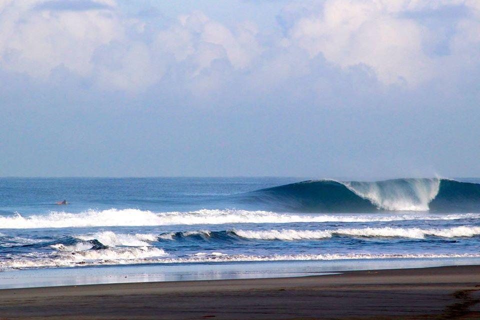 Mandiri Beach Surf Club Krui Sumatra