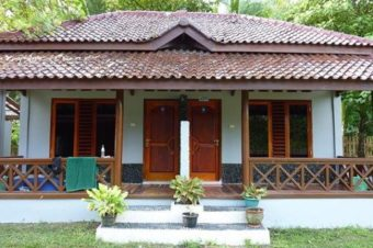 Damai Bungalows Krui