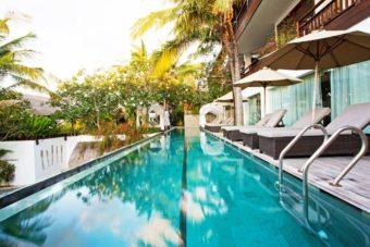 Batu Karang Lembongan Surf Resort Bali