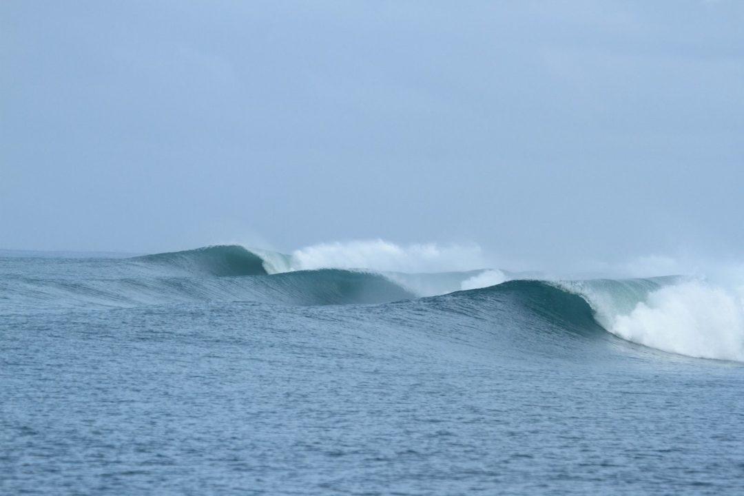 Indicator surf break in Nias