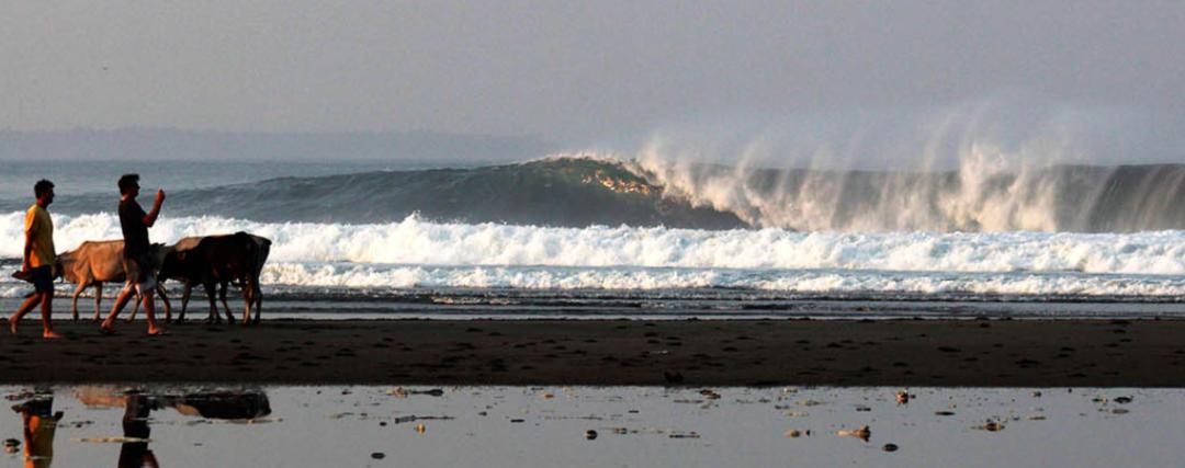 Laae beach surf break